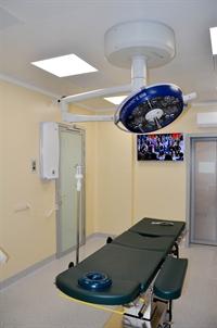 Операционная, светильник, стол