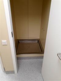 Душевая комната в предоперационной