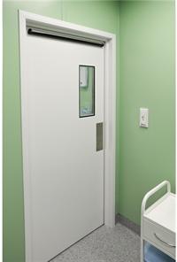 Вход в операционную - шлюз для персонала  (особо чистая зона), автоматические двери