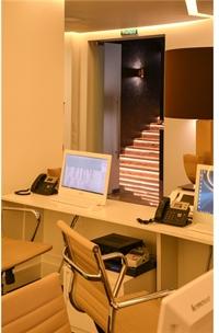 Вид на лестницу ведущую в отделение СПА медицинского центра